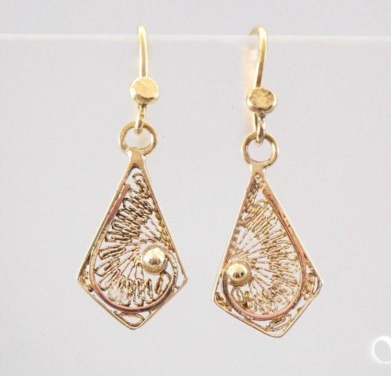 Vintage Estate 14K Yellow Gold Filigree Decorative Earrings Kidney Wire