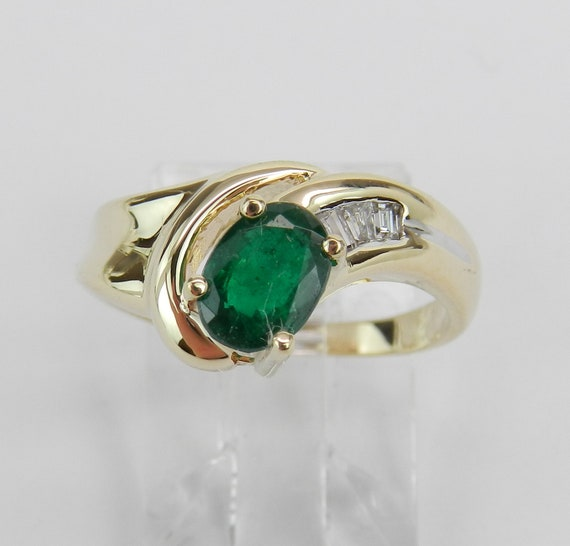 Vintage Estate 14K Yellow Gold Diamond and Emerald Engagement Ring May Birthstone Size 5.5