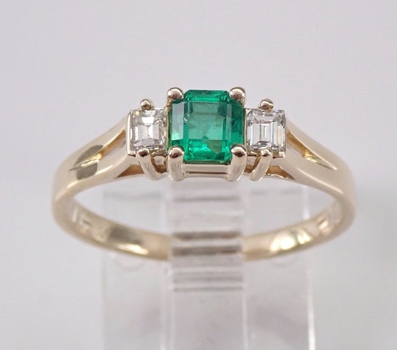 14K Yellow Gold Emerald and Diamond Petite Three Stone Engagement Ring Size 6 Promise Ring