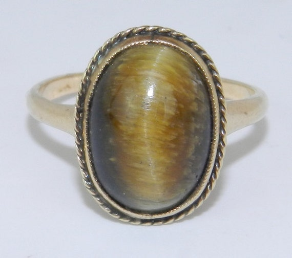SALE Tiger Eye Solitaire Ring Estate Vintage Ring 10K Yellow Gold Size 5