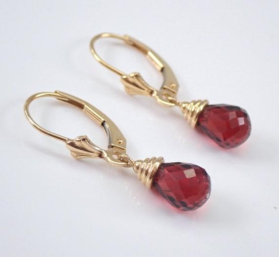 Estate 14K Yellow Gold Garnet Briolette Dangle Drop Earrings January Gemstone
