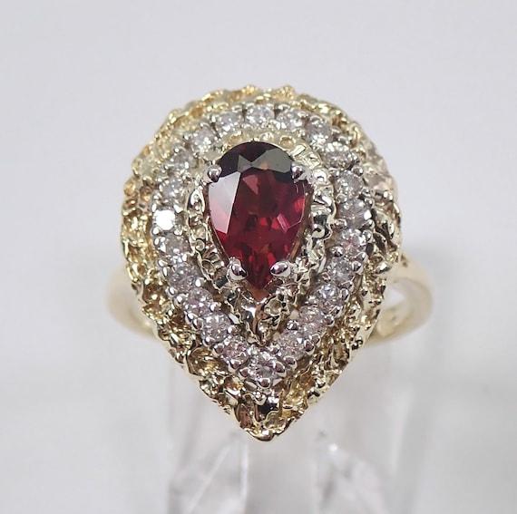 Vintage Estate Garnet and Diamond Halo Engagement Ring 18K Yellow Gold Size 6 January Gemstone