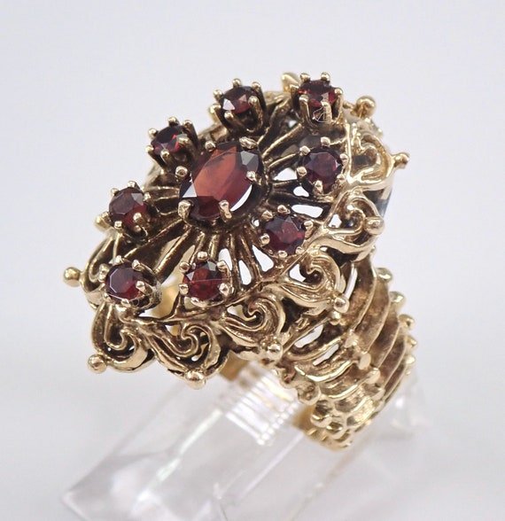 Vintage Estate Garnet Cluster Cocktail Ring 14K Yellow Gold Size 7.5 January Birthstone