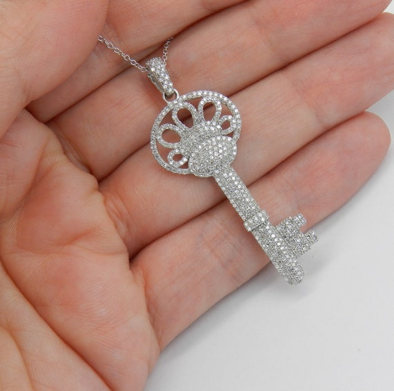 "14K White Gold 1.00 ct Diamond Cluster KEY Pendant Necklace 18"" Chain"