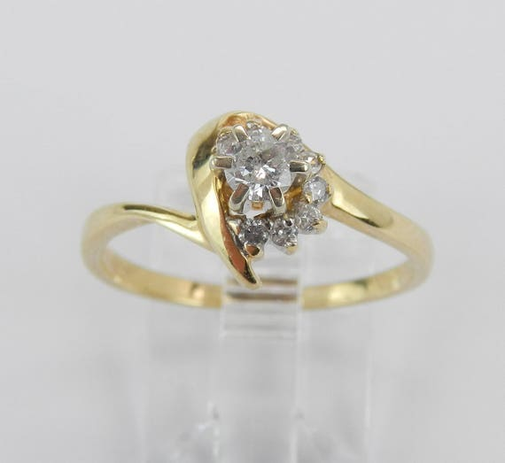 14K Yellow Gold Round Natural Solitaire Diamond Engagement Ring Size 7.5
