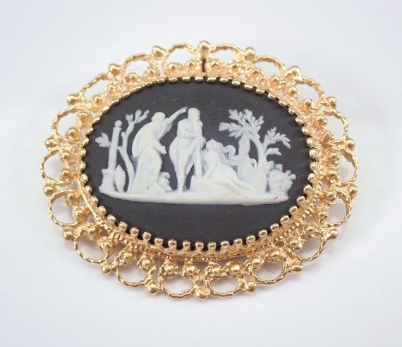 Antique Vintage 14K Yellow Gold Wedgwood Cameo Brooch Pin Pendant