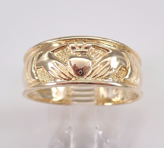 Vintage 14K Yellow Gold Claddagh Ring Heart Crown Size 8.5 Irish Wedding Band
