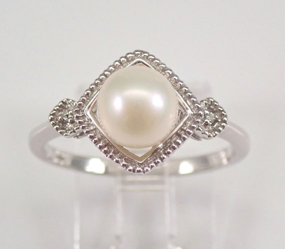 Pearl and Diamond Engagement Ring White Gold June Birthstone Size 7