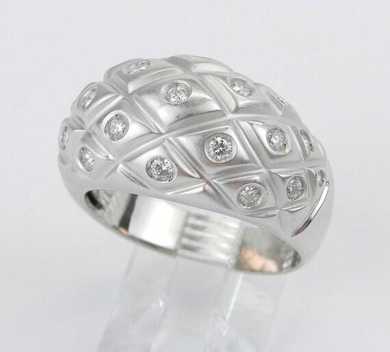 18K White Gold Diamond Wedding Dome Fashion Ring Anniversary Band Size 7.75