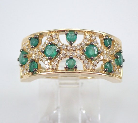 14K Yellow Gold Diamond and Emerald Anniversary Band Wedding Ring Size 7 May Gem FREE Sizing