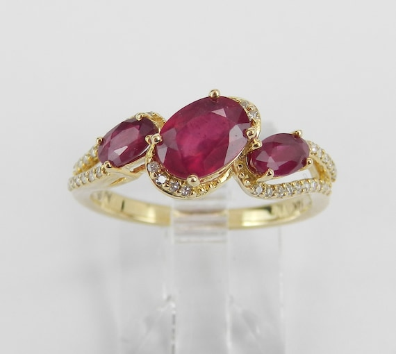 Diamond and Ruby Three Stone Engagement Anniversary Ring 14K Yellow Gold Size 7 July Birthstone