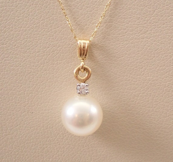 """Vintage 14K Yellow Gold Diamond and Pearl Drop Pendant Necklace Chain 18"""" June Birthstone"""