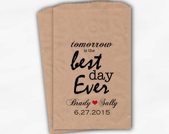 Best Day Ever Wedding Candy Buffet Treat Bags - Red Personalized Kraft Paper Favor Bags with Names and Date - Custom Paper Bags (0028)