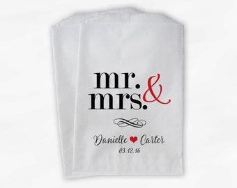 Mr & Mrs Candy Buffet Bags - Personalized Wedding Favor Bags - Black and Red Paper Treat Bags (0175)
