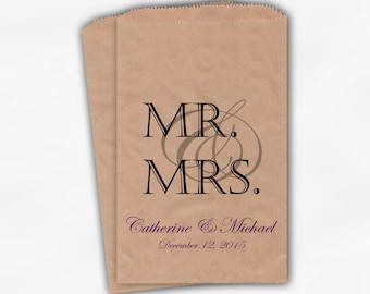 Mr & Mrs Candy Buffet Bags - Personalized Wedding Favor Bags - Black and Purple Kraft Paper Treat Bags (0163)