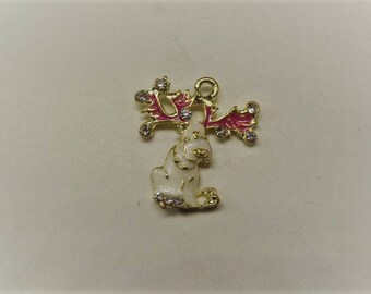 2CT. Pink and White Reindeer Charms, Y62