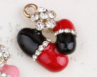 15mm*18mm Black and Red Pill Charms, 2CT (Y42)