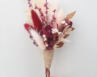 Pink + Burgundy Dried Flower Buttonhole / Boutonniere. Groom, groomsmen. Lapel pin. Preserved, dried flowers. Boho, rustic wedding