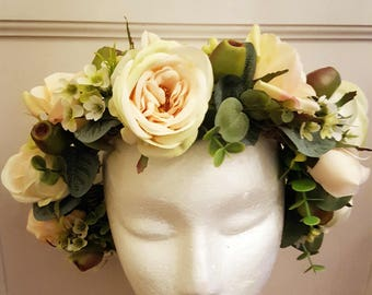 Rose flower crown, cream, peach roses, boho flower crown, bridal flower crown, flower hairpiece. Silk flower and foliage hair accessory.