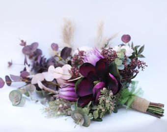 Artificial bride bouquet. Wedding flowers.  Boho wedding. Protea, dahlia, magnolia, pampas, berries, eucalyptus.  Blush, pink, burgundy