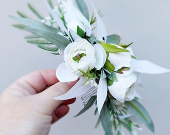 White flower hair comb. Silk flower hair accessory. Wedding hair comb. Hair flowers, wedding, bridal, photoshoot, party, races