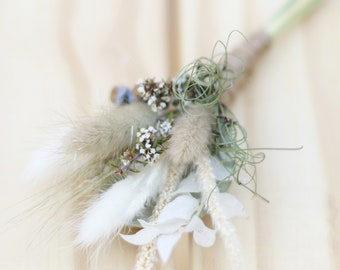 Dried Flower Buttonhole, Boutonniere for groom, groomsmen, Father of the Bride. Lapel pin. Preserved, natural flowers. Boho, rustic wedding