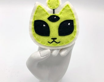DISCONTINUED: Green Alien Cat Hand Sewn and Embroidered Sew-On Patch