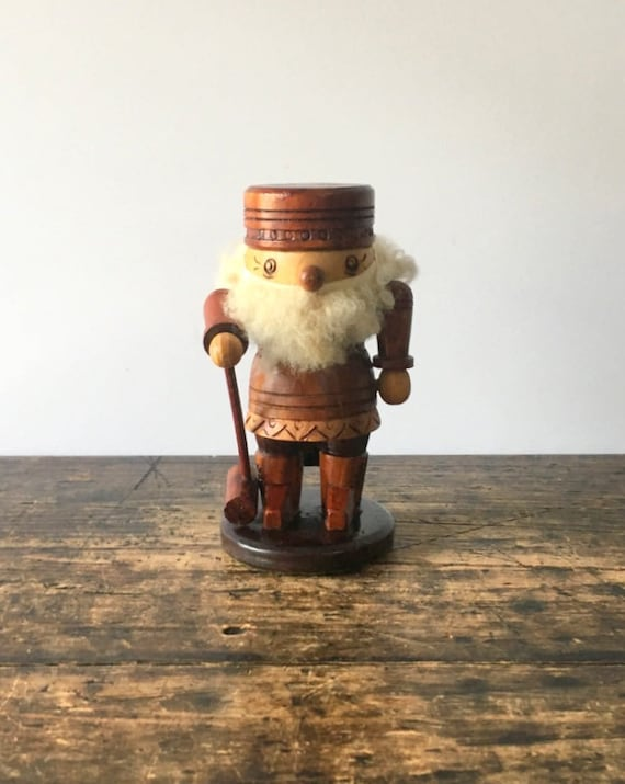 Vintage German Nutcracker With Authentic Wool Beard and Flower Carving Motif (1950s-1960s), Wooden Hand-Carved Nutcracker
