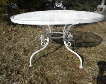 Good Shape Clean Vintage Heavy Duty Iron And Mesh Mid CENTURY SALTERINI  COFFEE Cocktail Patio Table Pick Up Only