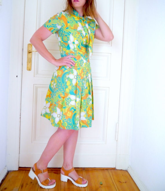 dress 70s green length print dress bow tie floral size short knee cotton psychedelic Medium retro sleeve dress trrBq7