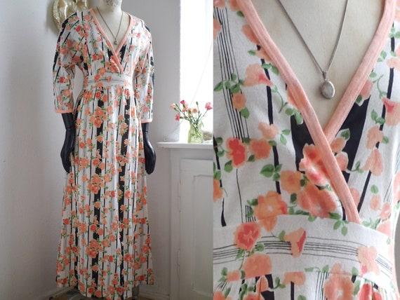 70s floral maxi DRESS, Rose floral boho wrap v.nec
