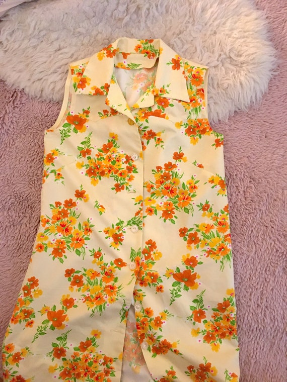 70s floral print dress / sleeveless collared shirt