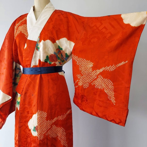 Red Crane and Colorful Floral Print Kimono Nagajub