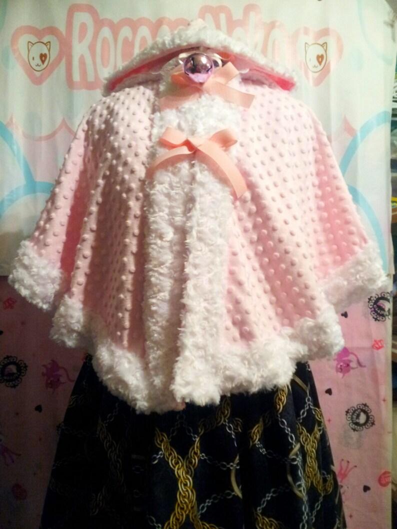Strawberry Chan Alpaca Lolita Hooded Capelet image 0