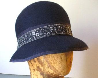 93905c05017 Vintage Laura Ashley Navy Blue Wool Cloche Hat