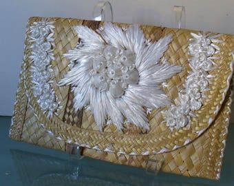 Vintage Straw  Clutch Bag White Raffia & Shell Flower Accents