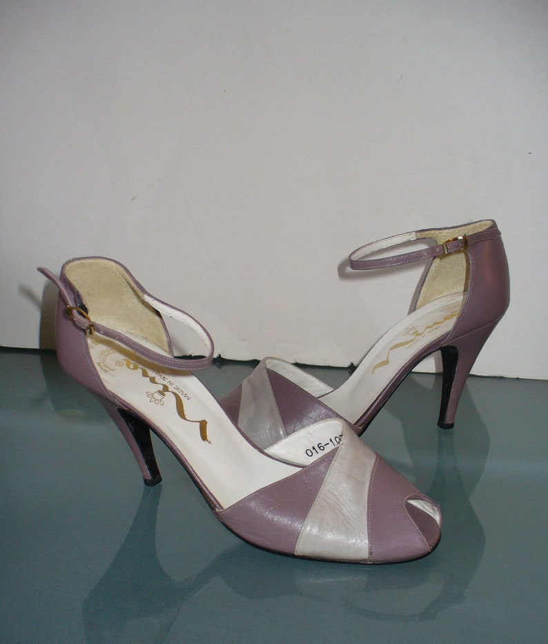 43b9f420d67 Nina Lilac Ankle Strap Heels Made in Spain Size 7 M