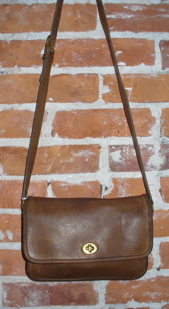 Vintage Coach British Tan Crossbody Shoulder Bag