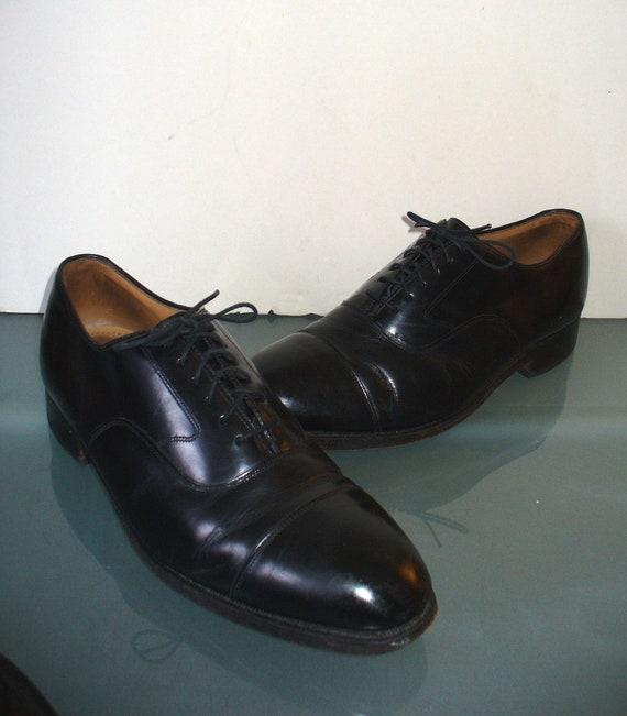 Johnston & Murphy Vintage Black Cap Toe Shoes Size