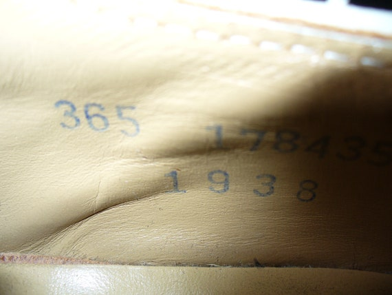 Vintage Kee-Ger White Buck Oxfords - image 3