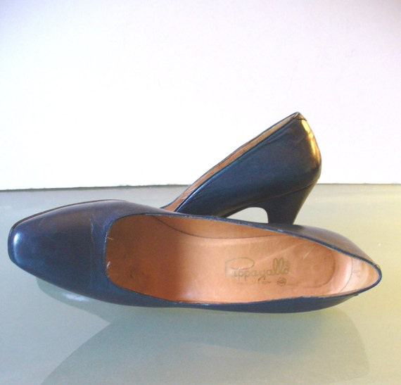 Vintage Pappagallo Teal Blue Leather Pumps Made in