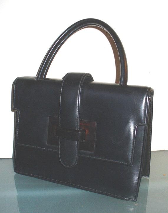 Vintage  Handbag With Lucite Clapse