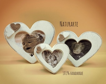 Heart-shaped picture frames set