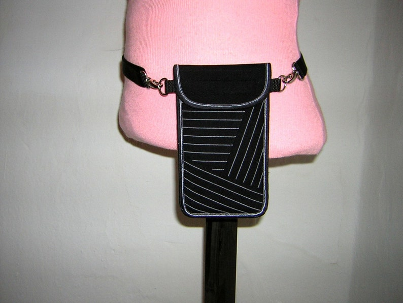 quality design 1c27b d861e iPhone 8 Plus Hip Case cellphone cover small fanny pack Smartphone Belt  Purse handmade quilting mini bag Discrete Fabric Bag in black&white