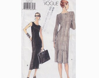 90s Very Easy Close Fitting Dress Vogue 9945 Size 8-12 Bust 31.5 - 34 Back Hemline Pleats / Slightly Tapered / Princess Seams Sewing Pattern