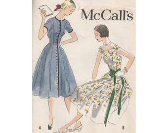 Vintage 1950s Fit & Flared Dress Pattern McCalls 9679 Junior/Petite Size 12 Bust 30 Cap Sleeves Princess Seams Jewel or Open Bateau Neckline