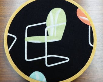 Retro Metal Lawn Chair Ornament, Upcycled Hoop Art, Kitchsy and Cute