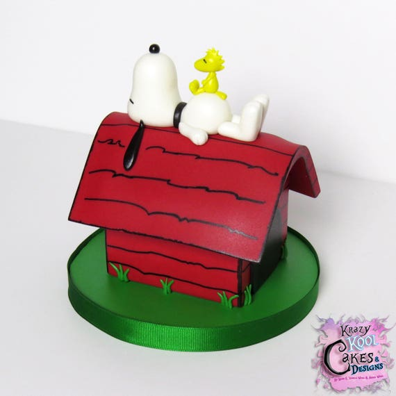 Snoopy Dog House Cake Topper PEANUTS Cake Topper With
