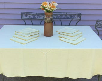 Vintage Oval Tablecloth 8 Napkin Set Woven Linen Style Powder Lemon Yellow  Cotton Poly Blend Easy Care Fabric