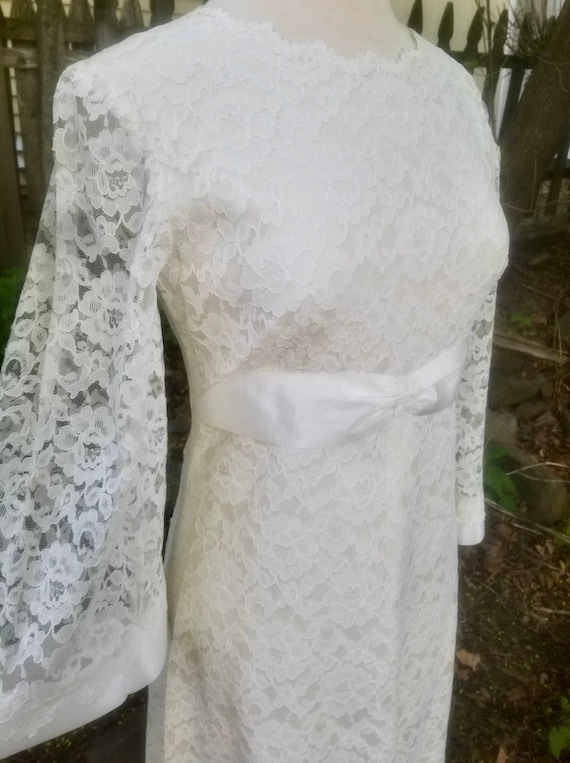 Vintage 1960s Short Ivory Lace Wedding Dress- Mod